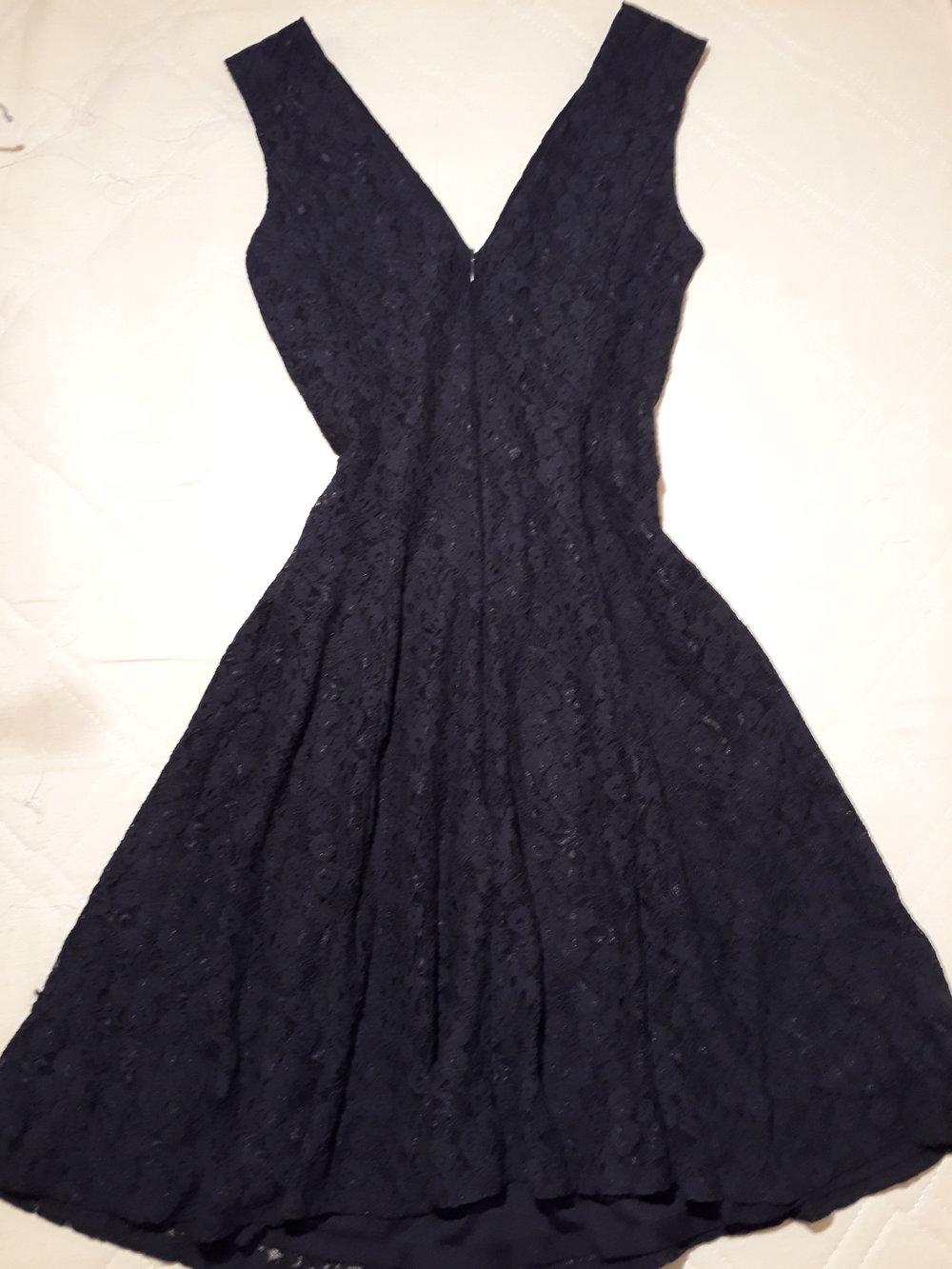 save off bb9c2 0d55d dunkelblaues Kleid aus Spitze, Esprit