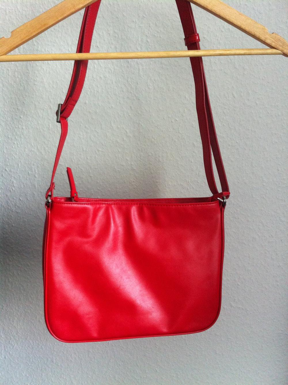 0cd068c689287 rote Handtasche von Esprit    Kleiderkorb.ch