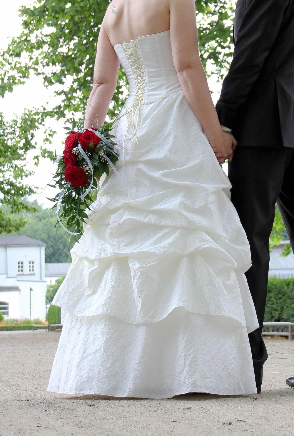 Brautkleid 12 in creme  12-Teilig: Rock, Corsage, Bolero und Reifrock