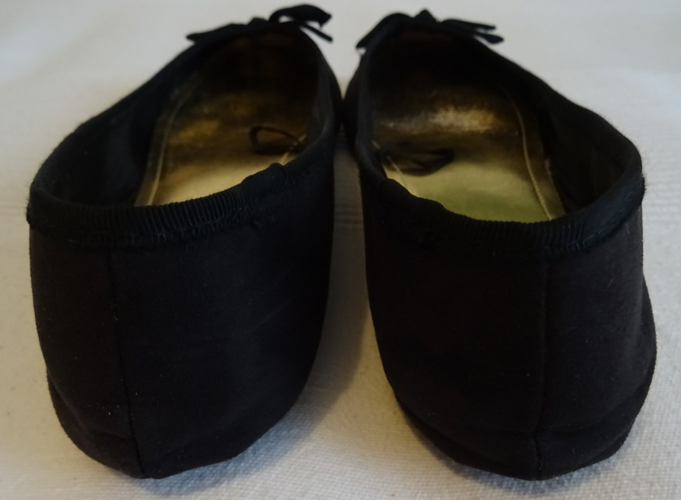 f8b00caddfcc7 Ballerinas schwarz Kunst-Wildleder mit Schleife Gr 38 von H&M
