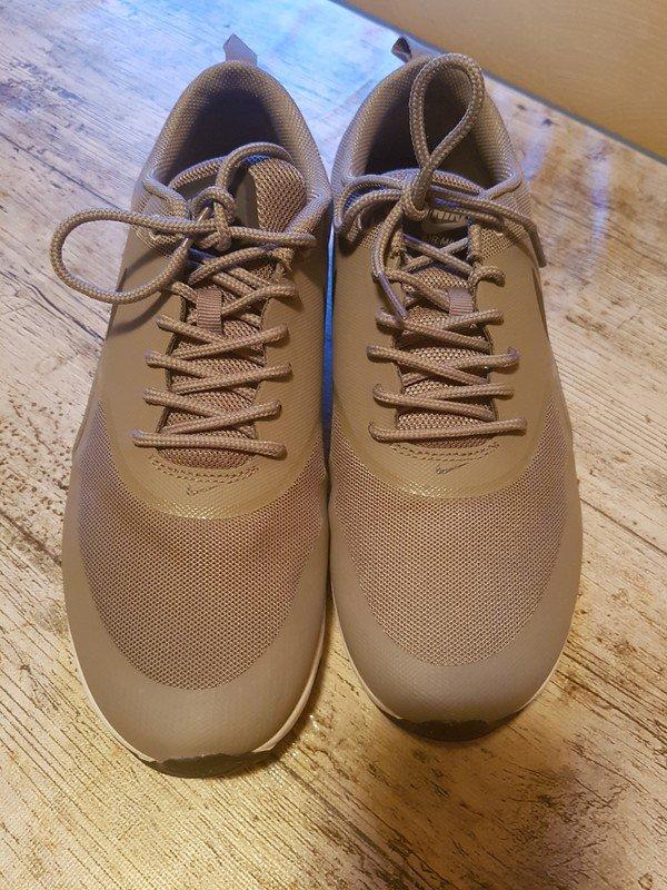Nike Air Max Thea Gold Größe 42 passt aber 41