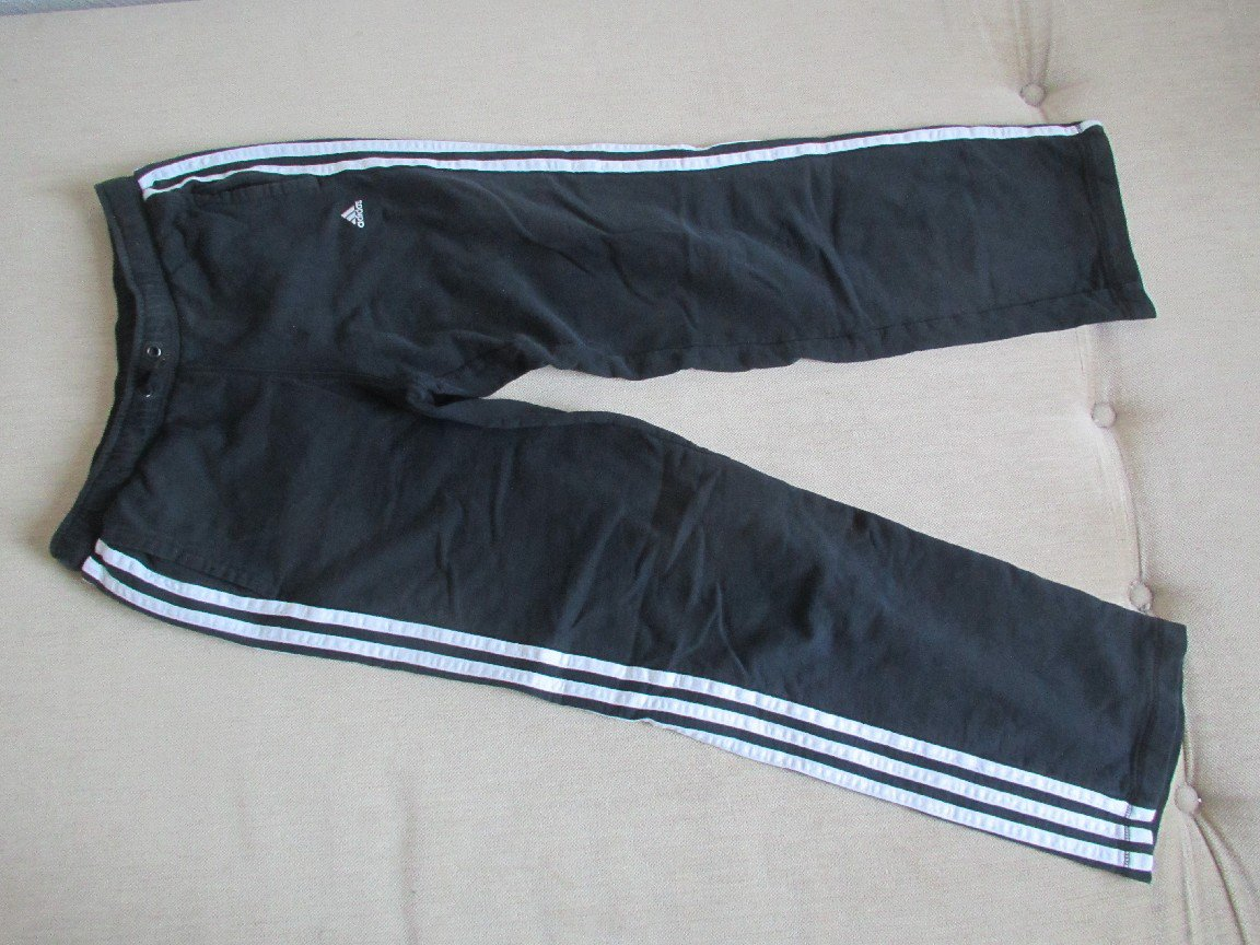 Jogginghose Trainingshose Sporthose Gr. 152 in schwarz weiß von adidas