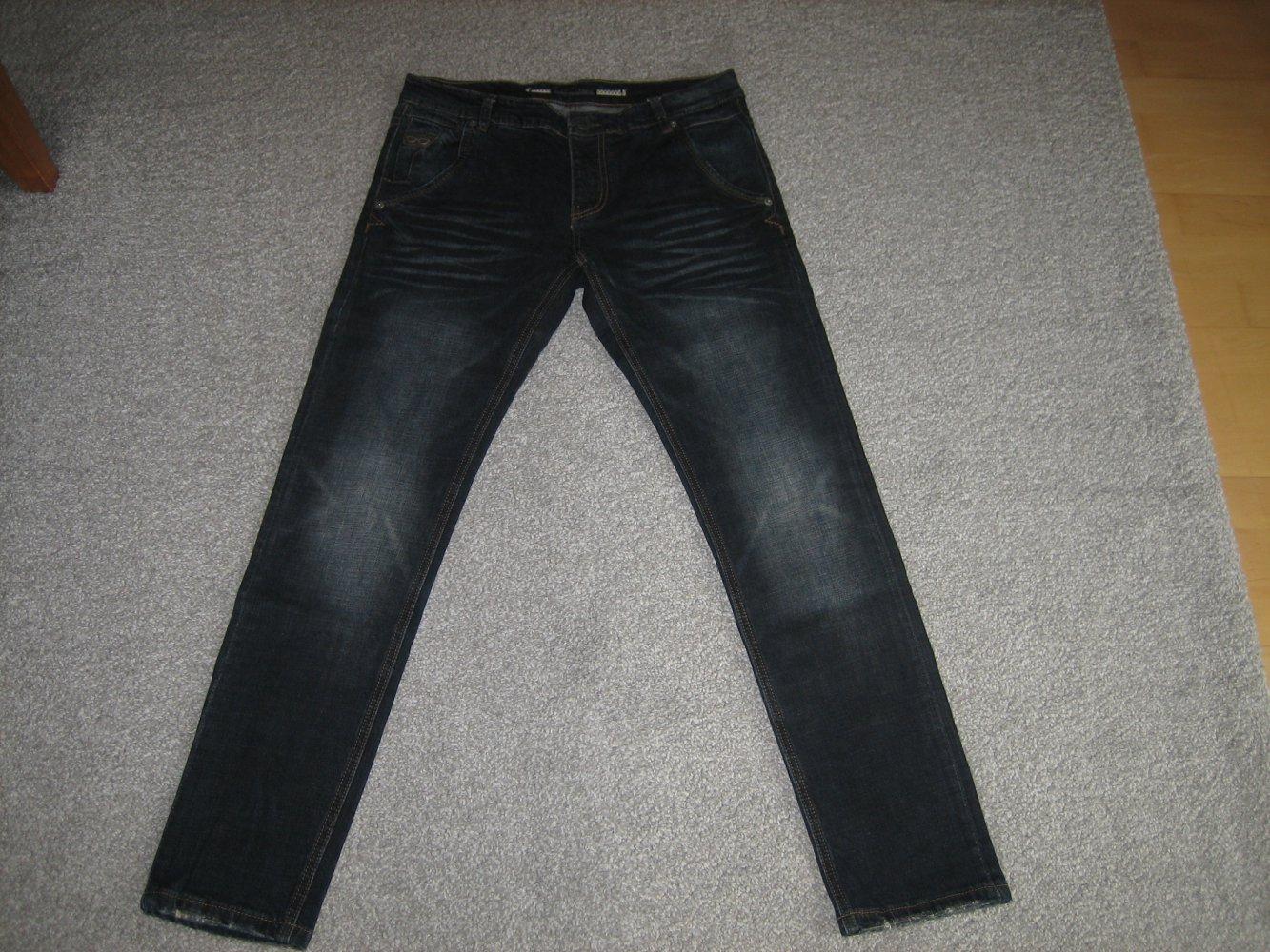 Neue, lässige Herren Jeans Gr. 4850 schmale, super Passform kombistark!