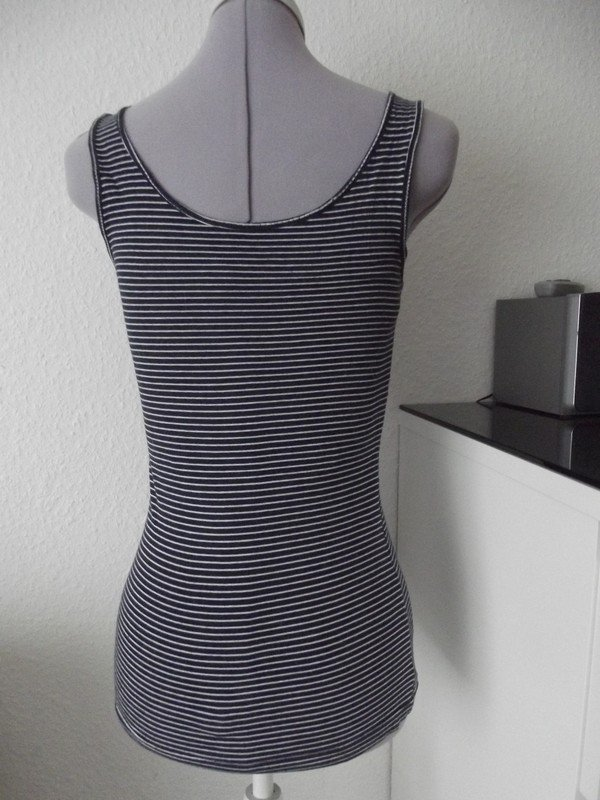 Sehr schönes ärmelloses Shirt    Kleiderkorb.ch ed9f5811a9
